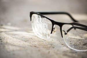 Versicherung gegen Brillenverlust oder Zerstörung: Kosten und Preise im Vergleich