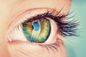 Hornhautverkrümmung lasern – so lässt sich mit einer Augenlaser-OP Astigmatismus korrigieren